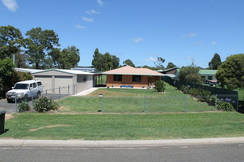 41 Homestead Road Rosenthal Heights QLD 4370 | Onthehouse com au
